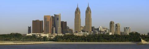 在全景的美好的迪拜市风景 库存照片