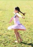 Переплетать маленькую девочку Стоковое Изображение RF