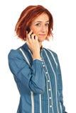 妇女有交谈由电话 免版税库存图片