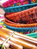 安地斯山的长笛和篮子。 免版税库存照片