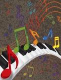 Κυματιστά σύνορα πιάνων με τα τρισδιάστατα κλειδιά και τη ζωηρόχρωμη μουσική  Στοκ φωτογραφίες με δικαίωμα ελεύθερης χρήσης