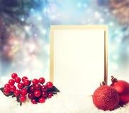 与装饰品的圣诞卡 免版税图库摄影