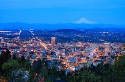 Красивая перспектива ночи Портленда, Орегона Стоковая Фотография