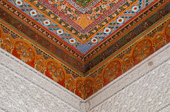 东方装饰天花板在巴伊亚宫殿,马拉喀什 库存图片