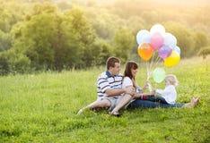 Ευτυχής οικογένεια Στοκ Εικόνες