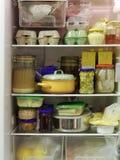 充分的冰箱 免版税库存图片