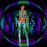 在减速火箭的迪斯科前的性感的俱乐部女孩立场跳舞球 免版税图库摄影