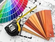 室内设计。建筑材料工具和图纸 免版税图库摄影