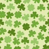 Зеленая безшовная картина клевера Стоковое Изображение