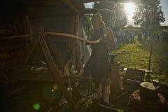 Μεσαιωνικός σιδηρουργός Στοκ εικόνα με δικαίωμα ελεύθερης χρήσης