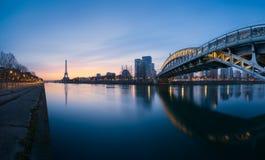 Эйфелева башня Парижа Стоковые Изображения RF