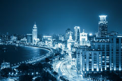 Вид с воздуха бунда Шанхая на ноче Стоковые Фото