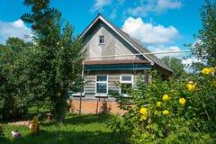现代乡间别墅在俄罗斯 免版税图库摄影