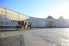 宫殿正方形在圣彼德堡 免版税图库摄影
