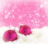 桃红色圣诞节球 库存图片