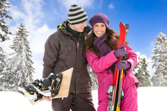 夫妇滑雪假日 免版税图库摄影