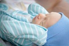 小婴儿睡着 库存照片