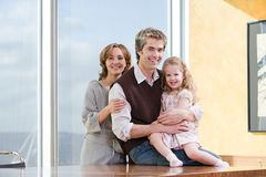 父亲和女儿的画象 免版税库存图片