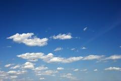 σύννεφα χνουδωτά Στοκ εικόνα με δικαίωμα ελεύθερης χρήσης