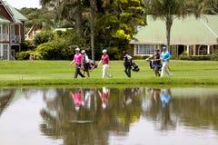 艾基康山高尔夫俱乐部的高尔夫球运动员在德班南非 免版税库存图片