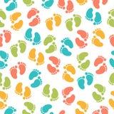 Безшовная картина с следом ноги младенца Стоковые Изображения