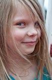 逗人喜爱的五岁的女孩画象特写镜头 库存照片