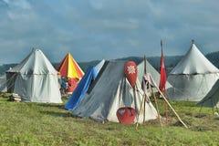中世纪野营的帐篷 免版税库存照片
