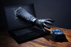Έγκλημα Διαδικτύου και ηλεκτρονική τραπεζική ασφάλεια Στοκ Εικόνα