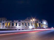 罗马罗马斗兽场在夜之前 免版税库存照片