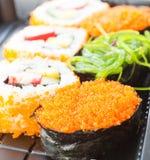 Σύνολο σουσιών, παραδοσιακά ιαπωνικά τρόφιμα Στοκ Εικόνες