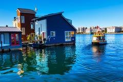 水出租汽车蓝色居住船维多利亚加拿大 免版税图库摄影