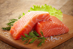 新鲜的未加工的三文鱼 免版税库存照片