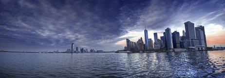 曼哈顿有帝国大厦的,纽约地平线全景 免版税图库摄影