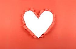 被撕毁的纸心脏 图库摄影