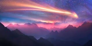狂放的高山峰顶 库存图片