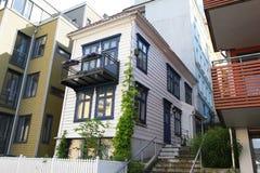 经典老木房子在卑尔根,挪威 免版税库存图片
