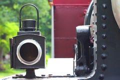 在蒸汽引擎的老灯 免版税库存照片