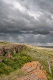 风雨如磐的天空在坚硬捣毁在 免版税库存照片