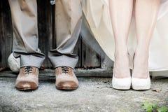 婚礼夫妇的脚 图库摄影