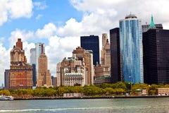 有曼哈顿地平线的纽约全景在哈得逊河 免版税库存图片
