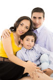 一起微笑愉快的西班牙家庭的画象 免版税图库摄影