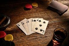 美国西部老交谊厅扑克牌游戏同花顺 库存图片