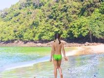 Ребенк на пляже Стоковые Фотографии RF