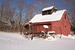 老新英格兰糖议院在冬天 库存图片