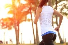 健康生活方式美好的亚洲妇女赛跑 免版税库存照片
