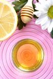 蜂蜜和柠檬 库存照片