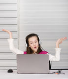 激动的女孩 免版税库存照片