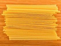 Сырые домодельные макаронные изделия яичка Стоковое Изображение