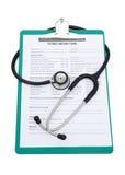 病史形式和听诊器 库存照片