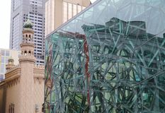 大厦玻璃液在联邦机关广场 免版税图库摄影